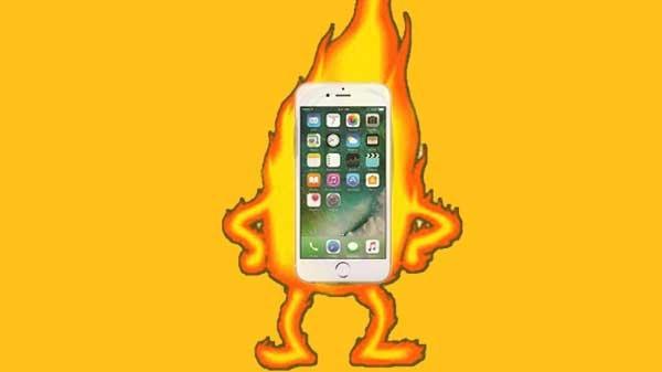 কেন চলন্ত গাড়িতে আগুন লাগল iPhone-এ?