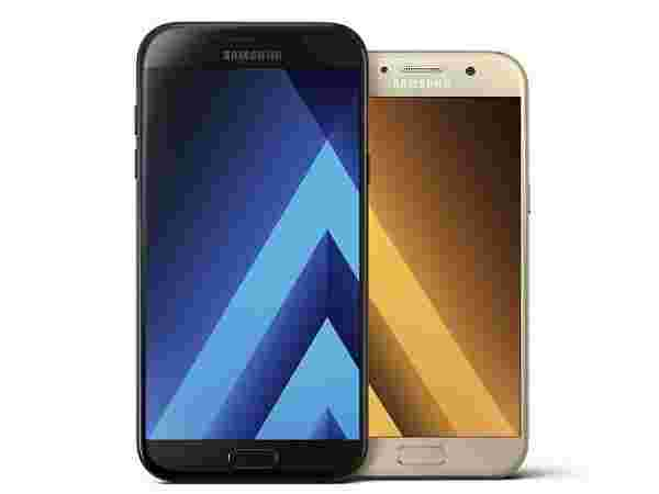 Samsung Galaxy A7 (2017) (EMIs from Rs 1,256/month)